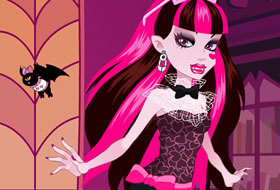 Monster High Series - Draculaura Dress Up